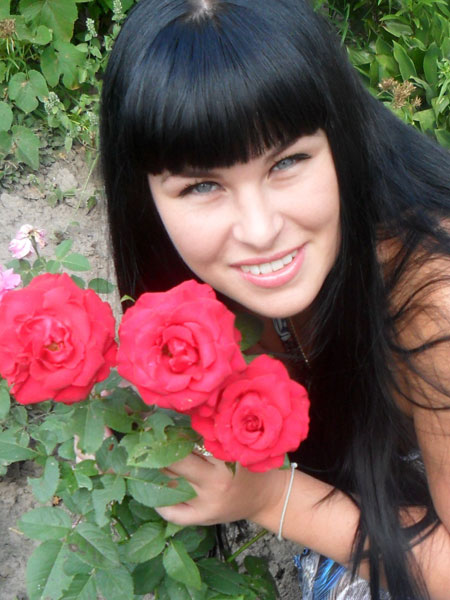 Beautiful young woman - Ukrainianmarriage.agency