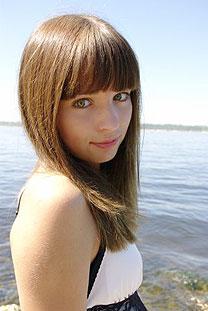 Young wife - Ukrainianmarriage.agency